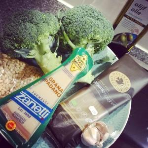 pasta pesto broccoli (1)