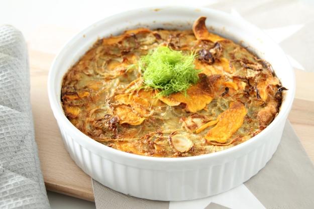 Zoete aardappel-venkeltaart met geitenkaas en tijm